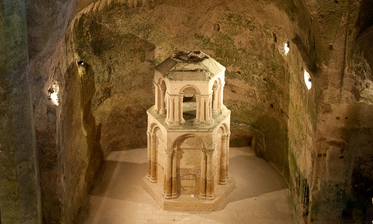 Aubeterre - Monolithic Church, Holiday in Charente, South west France