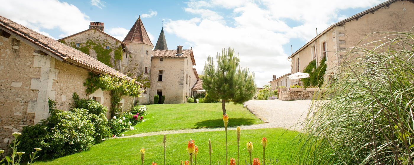 Chateau and 6 holiday cottages