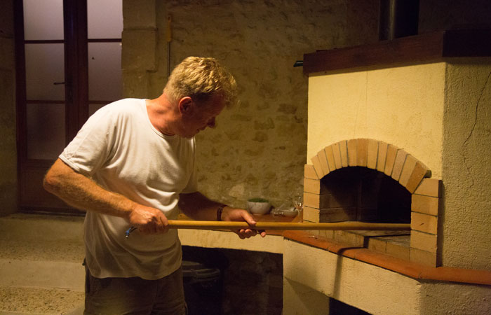Family friendly holiday accommodation France - Wood fired pizza