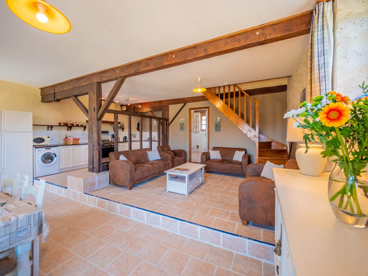 seating area- courtyard setting of family friendly cottage in Charente, South west France