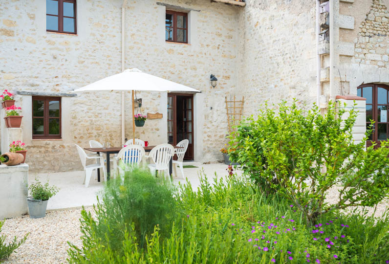 Exterior - family friendly gite in Charente, South west France